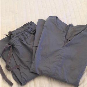 Nwot grey jaanuu scrub set